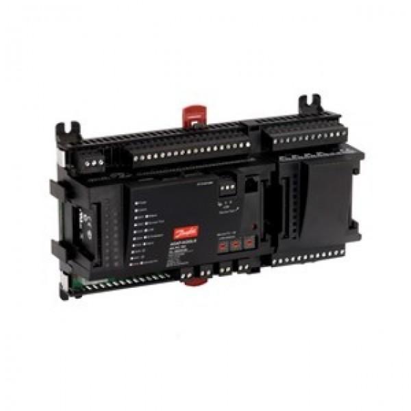 AK-PC 781. Kapasitetsregulering av kompressorer og kondensatorer.